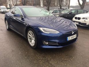 Tesla Model S Чернівці