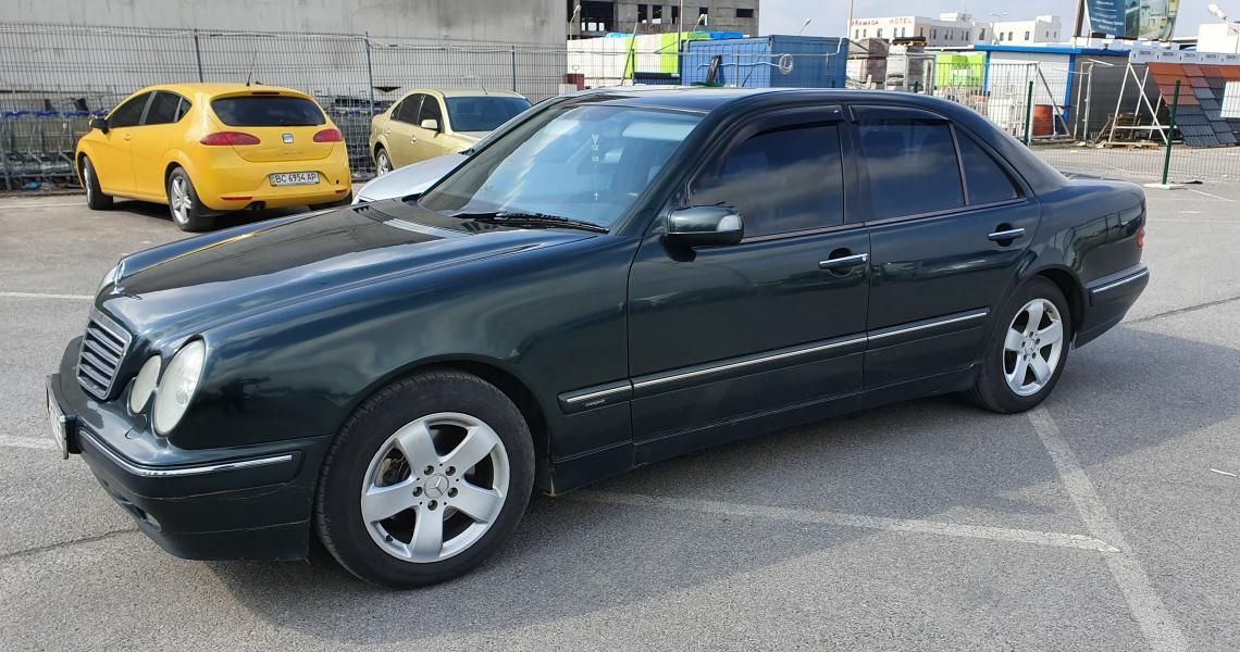 MERCEDES-BENZ 320, 2000