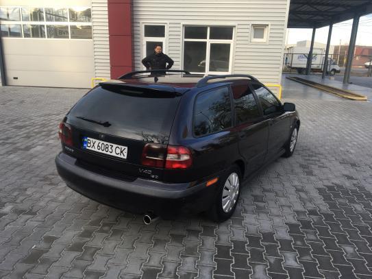 VOLVO V40, 2001