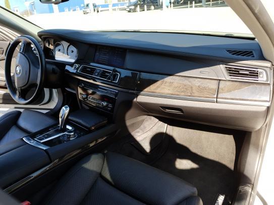 BMW 740, 2011